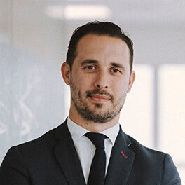 Diego Víboras: Socio