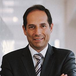 Luis Míguez: Catedrático de Derecho Administrativo <br/>Derecho de empresa y público