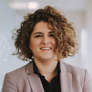 Mónica Martínez: Departamento fiscal y contable