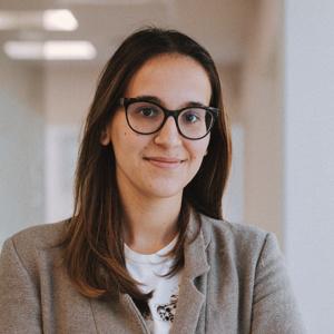 Noa  García: Derecho público y privado