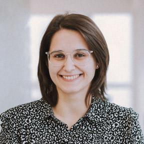 Noelia  Esparís: Asesoría laboral